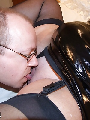 PVC is very sexy so when I knew that my friend Martin Essex SC was coming to visit me I dressed in black shiny PVC and b