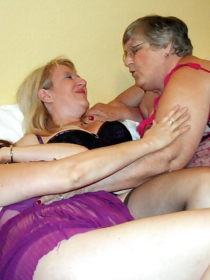 Threesome sex with my two very good friends Topaz SC2 and Chloe.  I was on holiday with Chloe and we fancied some horny