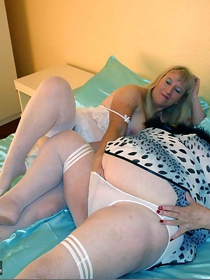 Hot bedroom fun with my good friend Chloe.  When we went on holiday together recently we were feeling horny but didnt ha