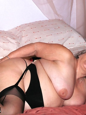 Another member lets me spend an afternoon sucking and fucking his throbbing hard cock Cum and watch me ride him hard and