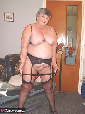I just love wearing stocking and sussies for all you horny guys  and when I add  a peek-a-boo bra it adds to the excitem