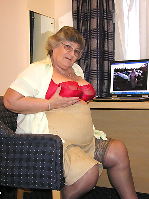 Fun in a hotel room with my red and black dildos.  My site member David and I sure had fun that day so if any of you fan
