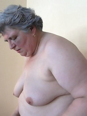 Fat grandma needs a huge dildo in her old pussy masturbating hard