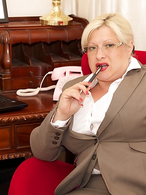 Hi Guys I was in the office all alone, the Boss had gone out for the day, so as I was feeling Hot  Horny I thought it ti