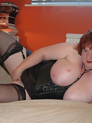 Come  watch as I masturbate for you in my new black leather tie -up corset, plus a lovely matching black suspender belt