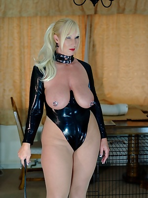 My slave needs a bit of discipline. Melody x