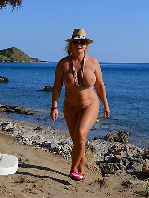 Dionysos' Place - on Dafni Beach -  I've found this great place with the Greeks