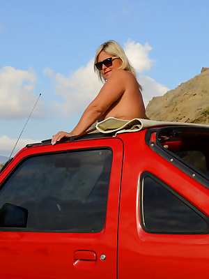 Of course in Zakynthos I was on tour with a Jeep on the road , again the Jeep was red . This time I was even more courag