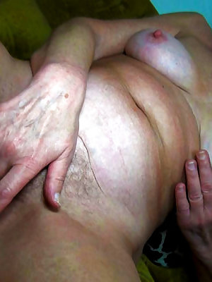 Hot wild grannies in threesome action