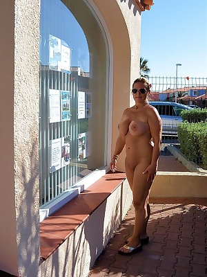 like every year I spend the Easter holidays in a nudist-resort. I love it completely naked to lie in the sun or to wande