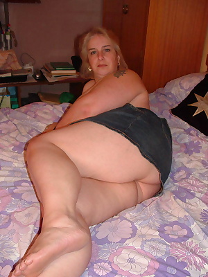 was laying on my bed when Johnny Horn came in, I wanted to tease him so I let him see my bum, I know that Johnny loves m