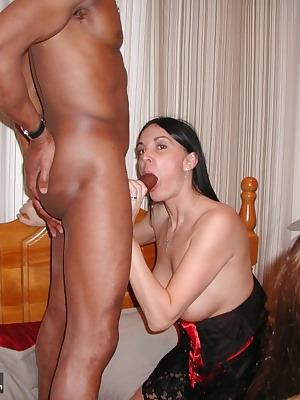 Here I am entertaining some of my TAC site members. Join my site and you could be next