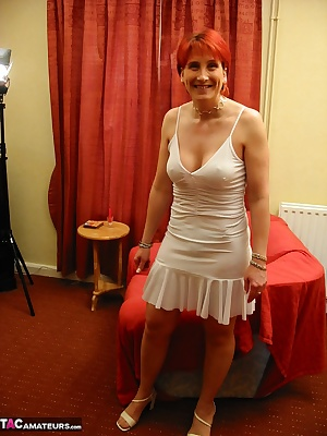 Been a while since I paid a visit to the horny redhead Scarlet Babe. So I gave her a call  she told me her knickers were