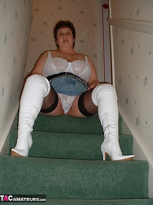 Love stripping on the stairs in my cfm boots xx
