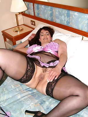 Here is the hotest part of my time in the cabin that afternoon. I was on a cruise and feelin fine and frisky in the afte