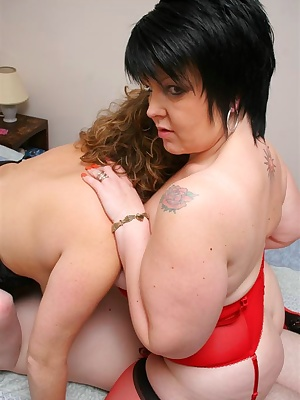 More Than A Mouthful Needs To Be Shared Prt2-My cunt gets eaten by Claire as Sam fucks her from behind, then she uses he