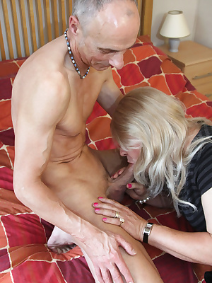 This guys fantastic cock really knows how to fuck my tight tranny arse Jenny x