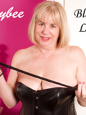 Hi Guys, Hope you like my Black Leather Basque, makes me feel so Naughty and Wicked, any of you like to feel my Riding C