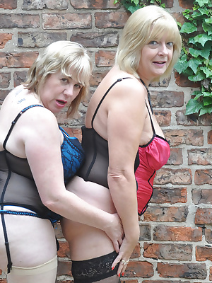 Hi Guys, I had gone to visit my Good Friend Britlady for the Weekend and was looking forward to some Fun  Frolics as wel