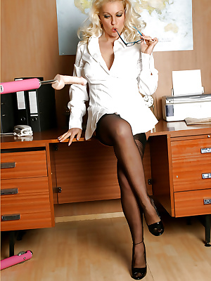 Office MILF fucked with a dildo machine