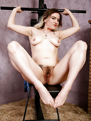 Older woman Tink flashing hairy bush and underarms while working out