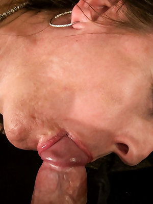 Awesome mature lady loving huge dick inside her mouth