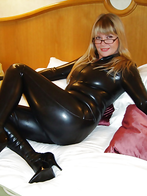 Fetish mom in Latex