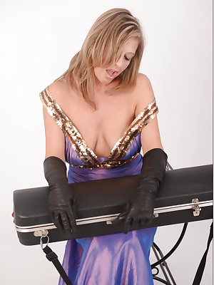 Horny MILF in leather gloves