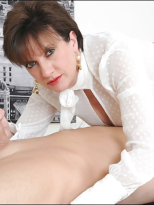 Lady Sonia: Slutty mature woman gives hot handjobs