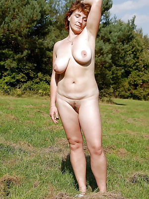 Amateur mature wives fully naked
