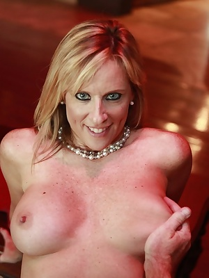 Jodi West: Mature blonde slut sucks a dick