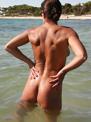 Free Porn Galleries Page 1