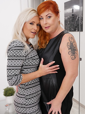 These naughty housewives love to get their lesbian groove on