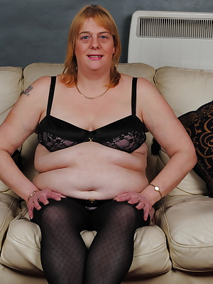 Horny BBW playing with herself on the couch