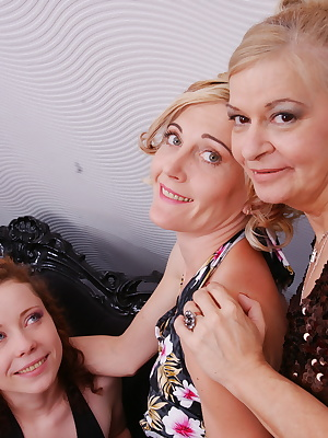 Old and young lesbian threesome gets wild