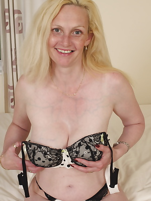 Blonde British housewife feeling frisky