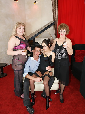 Two mature sluts do a hot young couple