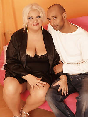 Big titted mama getting a pussy full of juice