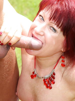Mama loves to get fucked in an open field